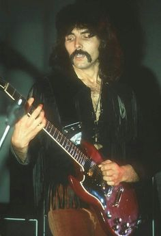Tony Iommi-Black Sabbath.........