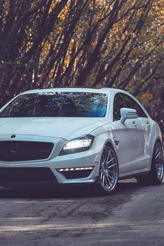 Best Dubai Luxury And Sports Cars In Dubai : Illustration Description CLS… – Read More – Mercedes Cls550, Mercedes Benz Germany, Black Mercedes Benz, Mercedes Benz Models, Lexus Ls 460, Benz Suv, Urban Industrial, Amazing Cars, Awesome