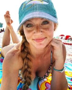 06ff05794051a553ee7d94f7497245f1 Redheads on a Tuesday? The Gods have smiled upon us all today (48 Photos)