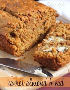 Carrot Almond Bread - a wonderfully aromatic bread that just made my whole house smell so fresh. So tasty and healthy!  // HappyFoodHealthyLife.com #fresh #bread #recipe