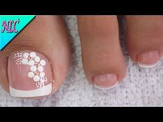 Toe Nail Flower Designs, Flower Toe Nails, Ombre Nail Designs, Best Nail Art Designs, French Toe Nails, French Pedicure, Pedicure Nail Art, Pretty Toe Nails, Cute Toe Nails