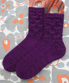 HiyaHiya - QHSo40 - Apple Leaves Socks (Cuff Down)