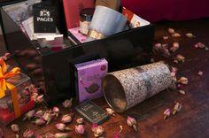 Un coffret de Saint Valentin pour les amoureux amateurs de thé : des tasses japonaises, des sachets de thé haut de gamme, des gourmandises, des chocolats... Retrouvez-le ici : http://www.alunithe.com/boutique-de-alunithe/coffret-saint-valentin-a-deux.html