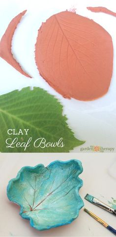Best Diy Crafts Ideas These clay leaf dishes are project you can do anytime throughout the year. Head out to the garden and look for unique shapes to preserve. Then it's just a matter of using clay to mold them and paint or glaze to decorate. Diy Fimo, Diy Clay, Clay Crafts, Crafts To Make, Fun Crafts, Crafts For Kids, Arts And Crafts, Paper Crafts, Polymer Clay