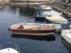FILMATO: LA BARCA SCIVOLA SUL LAGO, PIATTO COME L'OLIO Boat, Dinghy, Boats, Ship