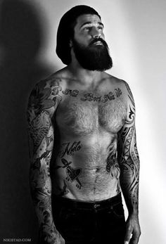 """muaddibworld: """"bearddporn: """"Beard and Tattoo Blog Click here """" wow luv to meat him """""""