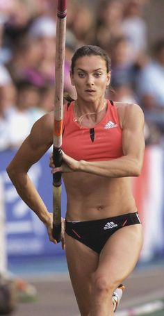 Yelena Isinbayeva: Reaches Height of 5.03 Metres in the Women's Pole-Vault