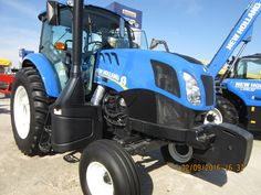 New Holland cab tractor New Holland Agriculture, New Holland Ford, Ford News, Farming, Pictures, Agriculture, Tractor, Photos, Resim
