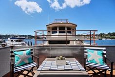 House of the Week: A Floating Home in Seattle Floating House, Floating In Water, Dream Shower, Sunny Days, Luxury Homes, Beach House, Seattle, Houseboats, Mansions