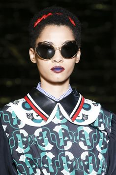 e589b4c2312 Miu Miu Spring 2016 Ready-to-Wear Accessories Photos - Vogue