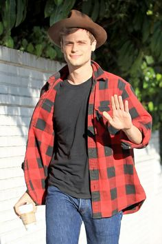 *steals his flannel shirt*