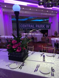 Centerpiece for a new york themed wedding mini flowers bouquet with nyc streetlamp post centerpiece junglespirit Images