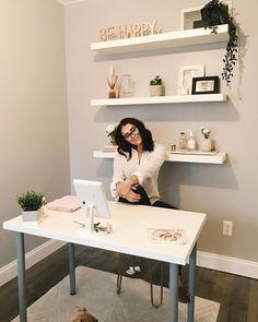 Home Office Decor Home Office Space, Home Office Design, Home Office Decor, Interior Design Living Room, Office In Small Space, At Home Office Ideas, Work Desk Decor, Small Office Decor, Office Style