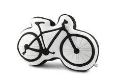Ein Kissen für alle Fahrradfahrer, die auf ihre zwei Räder nicht verzichten können und unerschrocken dem Großstadtverkehr und jedem Berg stellen. Geschenk kaufen von My-Pillow-Factory via DaWanda.com