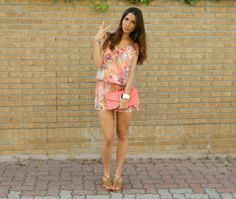 Floral orange jumpsuit and coral clutch #zara and #suitblanco