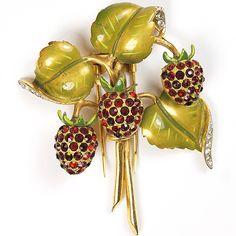 DeRosa Metallic Enamel Leaves and Rubies Strawberries Pin Clip