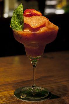 Restaurante de cocktails y copas en el corazón de Barcelona.
