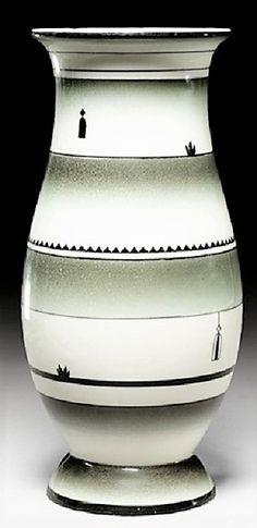 Dagobert Peche (autrichien, 1887 - 1923) Titre :     Vase , vers 1920  Support :     color glazed ceramic Taille :     20 cm. (7.9 in.)