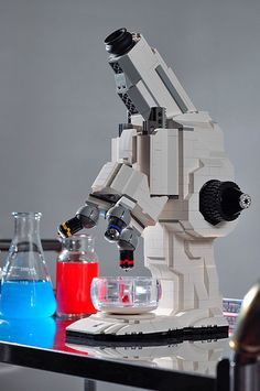 A FUNCTIONING LEGO Microscope by Carl Merriam ~