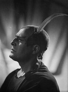 """""""Paul Cabanel, 1941"""" du Studio Harcourt. Charenton-le-Pont, Médiathèque de l'Architecture et du Patrimoine - Photo (C) Ministère de la Culture - Médiathèque du Patrimoine, Dist. RMN-Grand Palais / Studio Harcourt"""