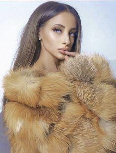 News 6, Fox Fur Coat, Red Fox, Winter Fashion, Face, Beauty, Diy, Fur, Winter Fashion Looks