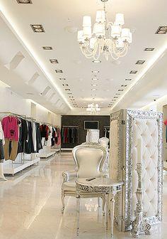 Mititique Boutique: Fashion Boutique Interior Design