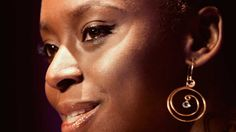 """""""Ser un buen escritor es complicado"""". Reseña literaria de AMERICANAH de Chimamanda Ngozi Adichie (3) de (3) #Literatura #ReseñaLiteraria #ChimamandaNgozi #Africa"""