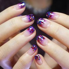 [#유니스텔라트렌드] #홀리데이 #PartyNails ~ #ombrenails #holidaynails #gradationnail #glitter #유니스텔라 #네일디자이너 #unistella #gelnails #nailart #nails #nail #nailedit #nailswag ✔️유니스텔라 내의 모든 이미지를 사용하실때 사전 동의, 출처 꼭...