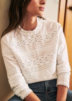 Boat Fashion, Retro Fashion, Blouse En Coton, Black Silk Shirt, Mode Plus, Cotton Blouses, Navy And Green, Parisian Style, Denim Outfits