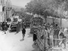 17th August 1943: Italian prisoners in trucks clog the North coast roads of Sicily following the invasion. (Photo by Keystone/Getty Images)