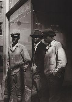 "Pierre Verger, ""Le messager / the go-between"" : photographies 1932-1962, ed. Revue Noire, 1993.  New Orleans, 1934."