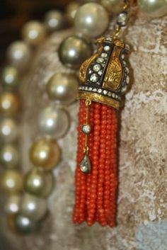 nice beaded tassel idea.
