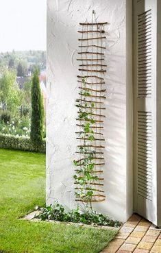 Top 30 Creative DIY Vertical Garden You Can Apply on Your Backyard Front Yard Right Now - Diy Garden Decor İdeas Diy Garden, Garden Projects, Garden Art, Home And Garden, Garden Crafts, Balcony Garden, Garden Kids, Twig Crafts, Driftwood Crafts