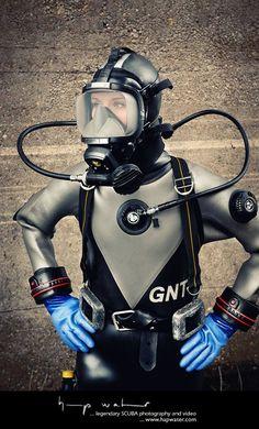 Cyber Fashion / Latex zz Scuba Diving Quotes, Scuba Diving Courses, Scuba Diving Equipment, Best Scuba Diving, Scuba Diving Gear, Diving Suit, Scuba Bcd, Scuba Watch, Diving Springboard