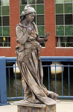 Living Statues Around the World (41 pics)