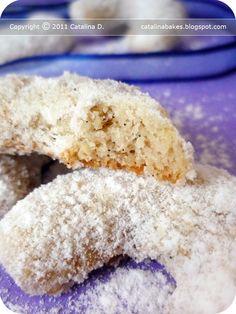 Vanilkové rohlíčky (Vanilla Crescents) Czech Christmas Cookies
