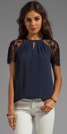 Now trending: lace sleeves. this is for the dresse and blouses that are to open. do lace sleeves, this is a great look Casual Wear, Casual Outfits, Cute Outfits, Diy Kleidung, Revolve Clothing, Mode Style, Lace Sleeves, Passion For Fashion, Womens Fashion