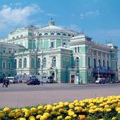 Le Palais Garnier à Paris, La Fenice à Venise, L'Amazonas au Brésil, le Bolchoï à Moscou... Tour d'horizon des plus beaux opéras du monde à admirer le temps d'un ballet ou d'une balade.