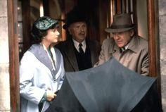 (1993) Debra Winger, Edward Hardwicke and Anthony Hopkins in 'Shadowlands'. Les ombres du cœur shadowlands