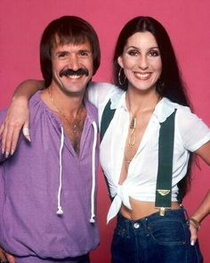 LOS ANGELES - JULY Singer and actress Cher poses with ex-husband Sonny Bono for a photo session on July 1977 in Los Angeles, California. (Photo by Harry Langdon/Getty Images) Chers Parents, Cher Photos, I Got You Babe, Cher Bono, Famous Couples, Tv Couples, Old Tv Shows, Ex Husbands, Classic Tv
