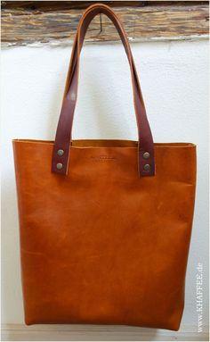 In Deutschland handgefertigter Shopper aus chromfrei, pflanzlich gegerbtem Leder. Tasche aus pflanzlich gegerbtem Leder. www.khaffee.de