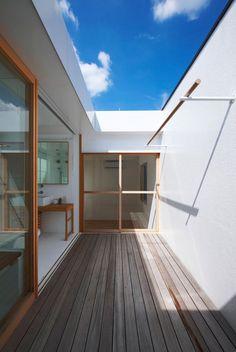 house in futakoshinchi   bathcourt ~ tato architects