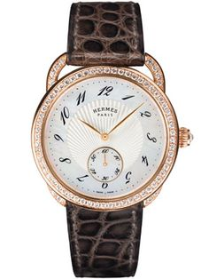 Hermès showcase the Arceau Ecuyère watch at SalonQP