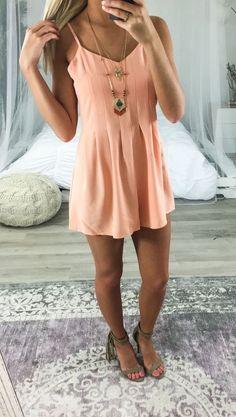 Cute Dress to impress | Perfect street style. ♥ Fashion inspiration Women…