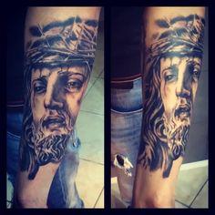 jesus christ black and gray. tattoo by @armandodisotto #armandodisotto #iltatuaggio #instatattoo #ildilatatore #tatuaggio #tattooartist #themostpopularitalianinkandpiercingblog #inked #inkedmag #bloodgabe #bodyart #design #realistictattoo #chicano #amazingink #art #tattooed #tattoo #napoli #NAPULITAN #blackandgrey #italian #tattooedannaked #portraittattoo #armandodisotto #statues
