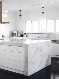 Hello Marble - Kitchen // Chelsea De Luca - The Design Files