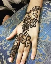 Explore latest Mehndi Designs images in 2019 on Happy Shappy. Mehendi design is also known as the heena design or henna patterns worldwide. We are here with the best mehndi designs images from worldwide. Khafif Mehndi Design, Latest Henna Designs, Arabian Mehndi Design, Mehndi Designs Book, Mehndi Designs 2018, Mehndi Designs For Girls, Mehndi Designs For Beginners, Modern Mehndi Designs, Dulhan Mehndi Designs