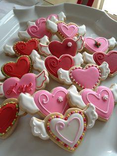 Cookies - Valentines Hearts by OneSweetTreat.com www.decorazionidolci.it Idee e strumenti per il #cakedesign