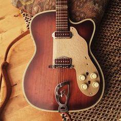 Roger vintage guitar