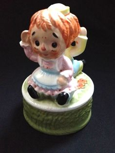 Raggedy Ann & Andy Musical Porcelain Figurine Vintage Plays This Old Man